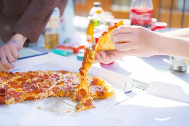 宅配 ピザ 冷凍
